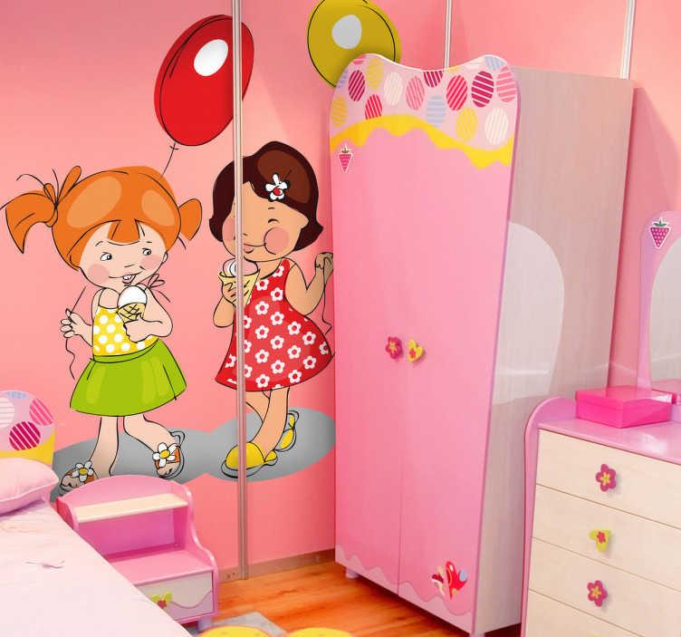 TenStickers. Naklejka dla dzieci dziewczynki lody i balony. Ładna naklejka dekoracyjna przedstawiająca spacerujące dwie wesołe dziewczynki w trakcie jedzenia apetycznych lodów.