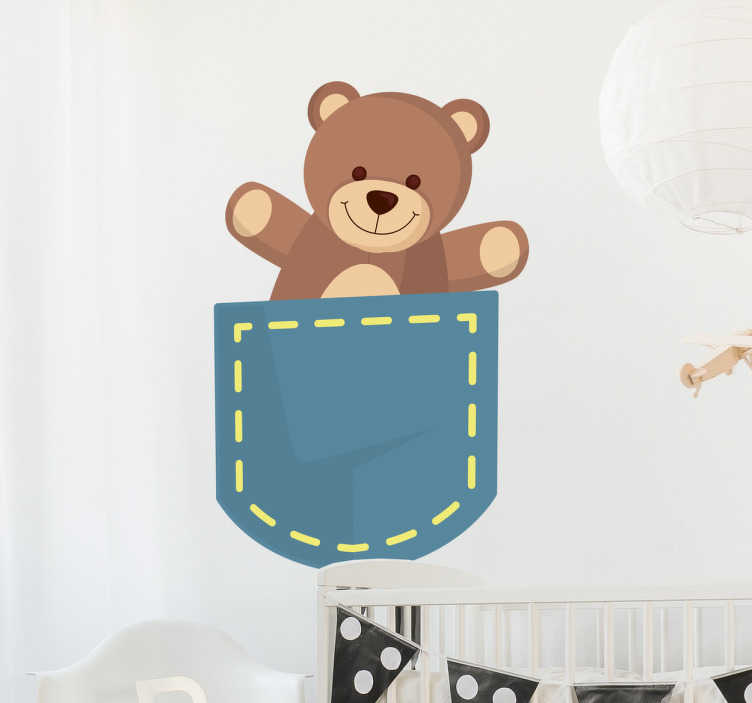 TenStickers. Wandtattoo Teddybär in Tasche. Wenn Sie Ihren Kindern eine Freude machen wollen, überraschen Sie sie doch mit einem tollen Wandtattoo Teddybär in Tasche!