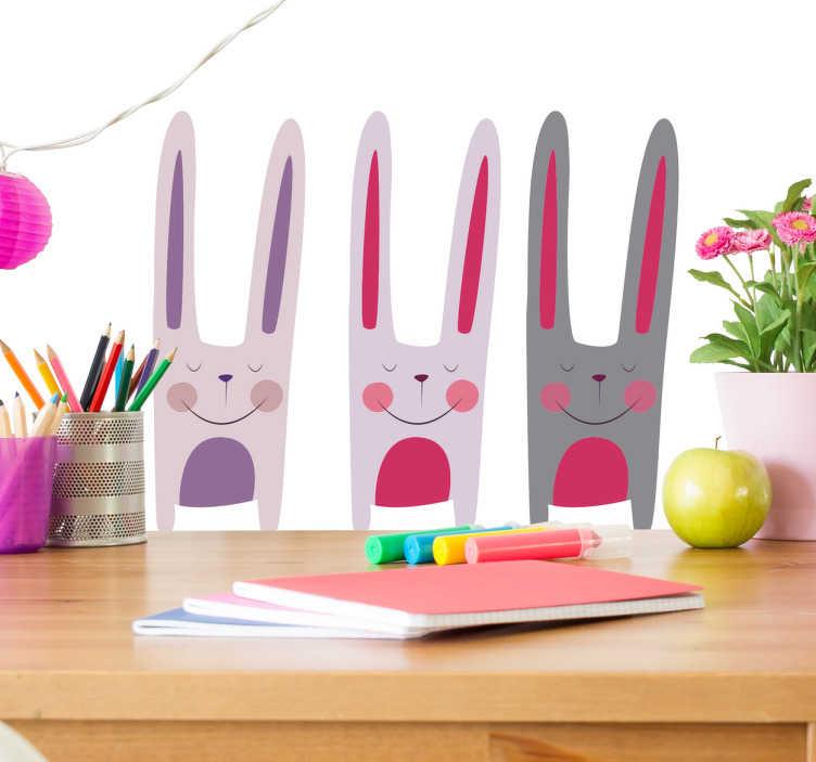 TenStickers. Adesivo infantil três coelhinhos. Vinis decorativo com desenho de coelhos realizado pela ilustrado Bonita del norte com os quais vais espalhar toda a ternura que há em ti.
