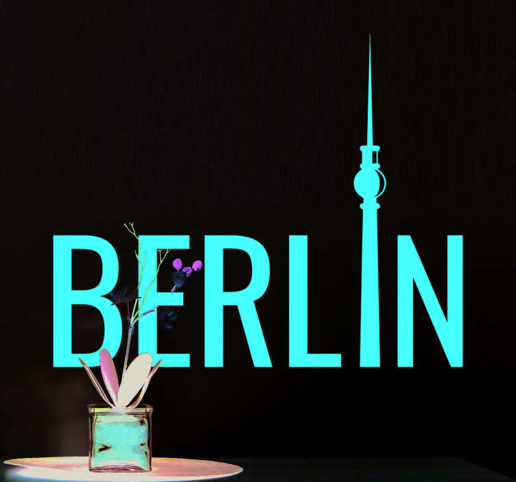 TenStickers. Sticker Tour de Berlin. Vous aimez la capitale allemande Berlin? Donnez à votre chambre l'ambiance de cette ville avec ce sticker Berlin avec le « i » en forme de la tour.