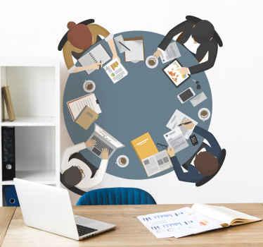 Sticker mural avec une belle illustration d'une table ronde avec quatre collègues engagés dans une réflexion.