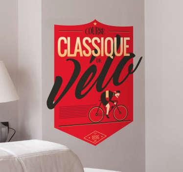 Exprimez votre passion pour le vélo avec ce sticker rétro original de couleur rouge. Il ajoutera de la couleur à votre intérieur.
