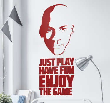 Sticker texte 'just play have fun enjoy the game' (juste joue, amuse toi, profite du jeu) avec le portrait de Michael Jordan.