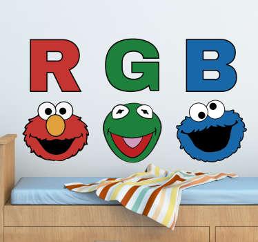 Vinilo Barrio Sésamo con ilustración de las caras de sus personajes y las iniciales de los colores de su piel (Red, Green y Blue o Rojo, Verde y Azul)