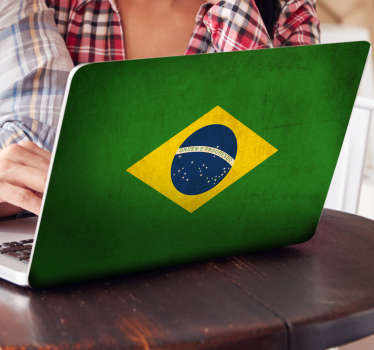 Adhesive laptop skin with a representation of the popular Brazilian flag, ideal for personalizing with the flag of your favorite country.