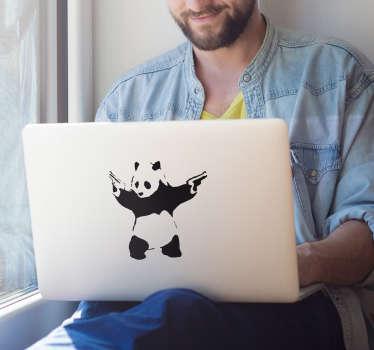 Banksy panda dizüstü bilgisayar etiketi