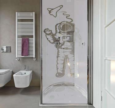 Astronautti ikkunatarra suihkukaappiin