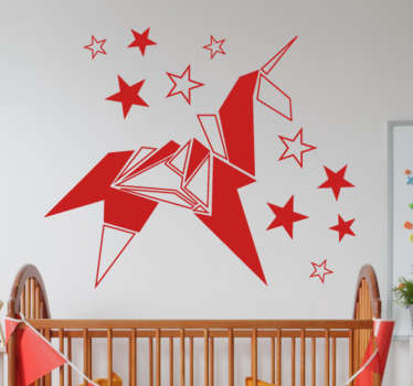 Murales a medida para el cuarto de los más pequeños de casa con una representación de la figura de un animal mitológico.