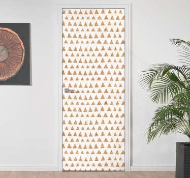 Vinil autocolante decorativo indicado para quem procura decorar a suas portas de uma forma elegante com este padrão de triângulos em a imitar cortiça.