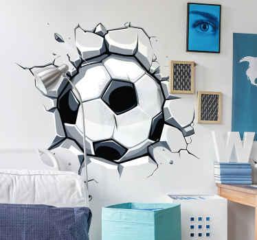 Decore o quarto dos seus filhos com esteautocolante de parede 3Dde umabola de futebola rasgar a parede, para motivar seu filho a praticar futebol.