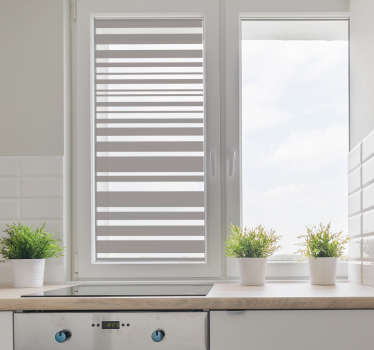 Vinilo para ventana cocina líneas translucidas