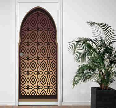 Prachtige decoratieve zelfklevende sticker voor deuren met een deur in oosterse stijl. Het perfecte product om de deuren van je huis mee te versieren.