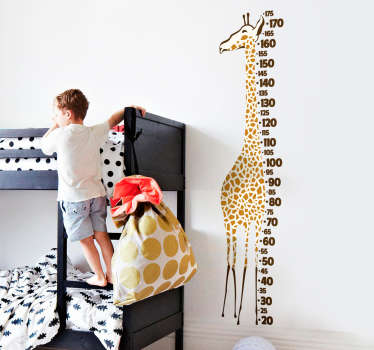 Realistična nalepka višine merilca žirafe za okrasitev prostora spalnice otrok. Je enostaven za nanašanje in lepljenje.
