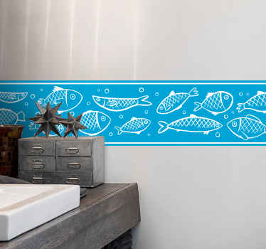 Dekorative Bordüre mit einem Muster der handgezeichneten schwimmenden Fische, die speziell für Sie gemacht wurde, um die Wände Ihres Badezimmers zu personalisieren.