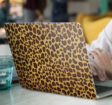 Decoratieve panter skin laptop zelfklevende sticker om elke laptop in dierenhuid print stijl te versieren. Het is verkrijgbaar in elke gewenste maat.