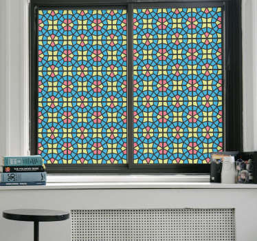 Decorate your windows with this busy and attractive adesivo. This sticker will brighten up your rooms and give you a lot of privacy.