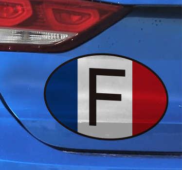 Sticker pour voiture avec la lettre F et le drapeau français. Vous cherchez un moyen d'indiquer aux autres conducteurs votre nationalité, ou vous êtes juste fiers d'être français et aimez votre drapeau? Cet autocollant devrait alors vous plaire.