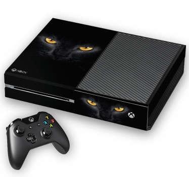Pegatinas para Xbox con una espectacular fotografía de la cara de un gato negro, ideal para personalizar tu consola.