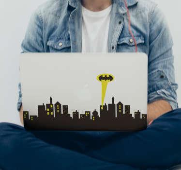 Vinilos decorativos para ordenador para fans del superhéroe hombre murciélago Batman con el skyline de Gotham y el famoso foco con el que se reclama su ayuda Una pegatina ideal para personalizar la tapa de tu PC Vinilos frikis para apasionados de los cómics y en especial de este personaje