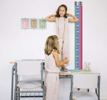 Children´s measurement wall sticker that includes a pencil design and measures in centimetres. It is a fun sticker for children as it keeps track of their growth.