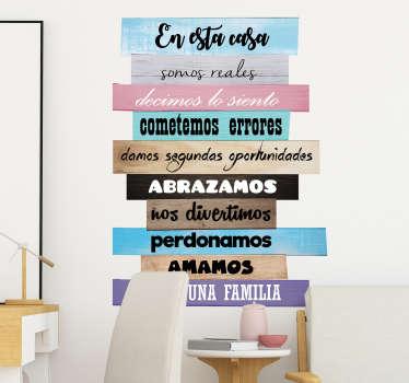 Vinilo frase con el detalle de las normas del hogar ideal para la decoración original y distinta de salones y comedores de tu casa.