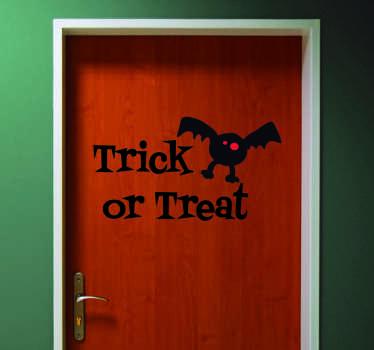 """Naklejka na Halloween: """"Trick or treat"""" i nietoperz"""