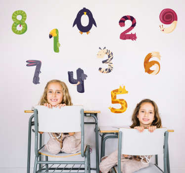 Pegatinas adhesivas para habitación infantil con los números del 0 al 9 formados por diferentes animales. +10.000 Opiniones satisfactorias.