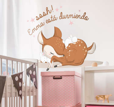 Vinilo bebé ciervo durmiendo con nombre