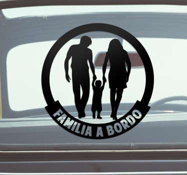 Pegatina familia a bordo para coche con una familia de la mano con el hijo en el centro para recordar a los conductores que vigilen ¡Envío a domicilio!