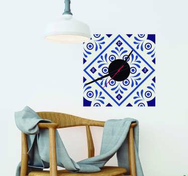 Traditionele muursticker: Sticker klok delfts blauw ontwerp! Deze delfts blauw klok sticker is ideaal voor de woonkamer Muursticker delfts blauw!