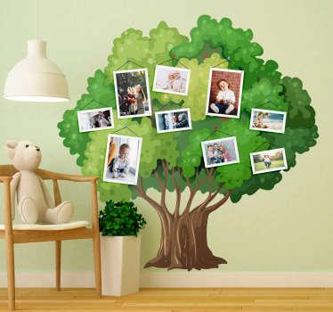 Original vinilo adhesivo formado por el diseño de un árbol genealógico el cual se puede personalizar con nueve fotos diferentes. Precios imbatibles.