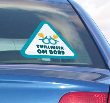 Bil vindue klistermærke! Dette klistermærke er perfekt til dig! Nyd denne tvillinger ombord på bilsticket! Origional baby om bord klistermærker og bil tekst klistermærker!