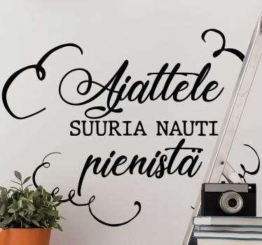 """Tämä typografia -seinä tarra """"think big"""" antaa mahdollisuuden kohdata päivittäin hymyillen, motivoida sinua jokapäiväisessä elämässäsi!"""