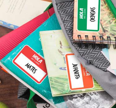 Set formado por 6 pegatinas personalizadas en diferentes colores ideales para etiquetar tu material escolar. Descuentos para nuevos usuarios.