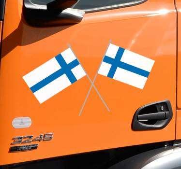 Koristeellinen autovinyylitarra suomalaisesta lipusta, jota voidaan käyttää missä tahansa ajoneuvossa. Se tulee erikokoisina ja helppo käyttää.