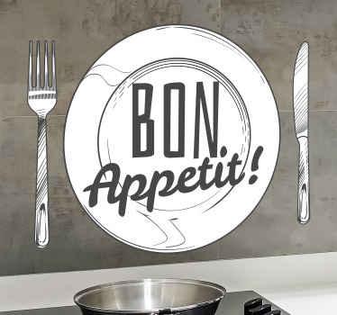 """O bucată decorativă cu ustensile de bucătărie art decal realizată cu designul tacâmurilor, a unei plăci și a textului """"bon apetit"""". Este fabricat din vinil de bună calitate."""