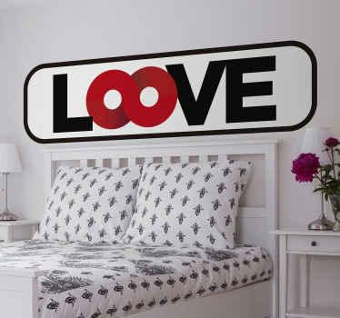 Izvirna stenska nalepka ljubezenskega besedila za prostor v spalnici, ustvarjena z ljubkimi barvami na ozadju. Je enostaven za uporabo in na voljo v poljubni velikosti.