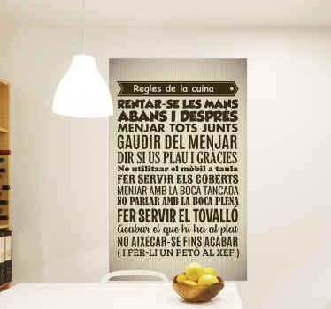 Vinilo normas de la casa para cocina en catalán para que llenes tu cocina de amor con un diseño original y bonito ¡Envío exprés!