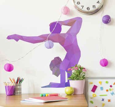 är du gymnast eller älskar det? Då är vår olympiska sportväggklistermärke med en gymnast placerad i stil med en origami perfekt för dig.