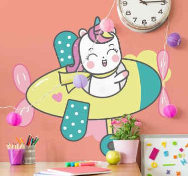 楽しくて面白い赤ちゃんユニコーンウォールアートステッカー。家の中で小さなお子様の寝室スペースを美しくします。必要なサイズで利用できます。
