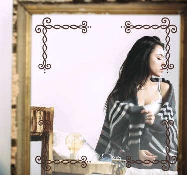 あなたがあなたの鏡の表面で愛する装飾的なパターン化された線形スタイルで作成されたミラーデカール。自己接着性で塗布しやすい。