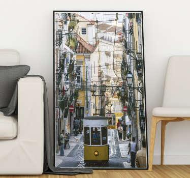 Mostra o teu amor pela linda cidade de Lisboa e personaliza a tua decoração com este magníficovinil autocolante de uma imagem de uma rua lisboeta!