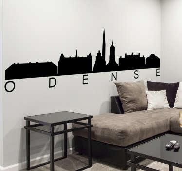 Odense city skyline silhouette wall sticker. Dette design indeholder danmark-funktioner som tårnet, strukturer og mere. Design er let at anvende.