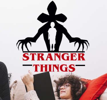 电视上的陌生人事物电视系列墙贴花设计来自颠倒的怪物世界,怪物里面的男孩和该系列的名字。