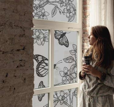 Ein schwarzer Schmetterling mit Blumen Fenster Aufkleber, der einfach auf die Oberfläche aufzutragen ist und bei Ihnen ein schönes und erstaunliches Gefühl hinterlässt.