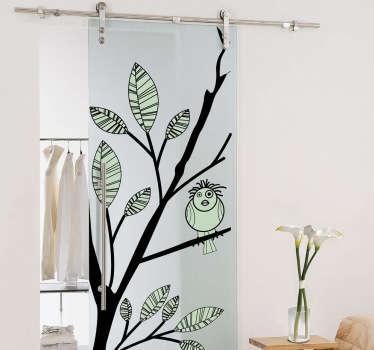 Adesivo decorativo che raffigura un simpatico uccellino posato su un delicato ramo d'albero. Ideale per abbellire le porte di casa.