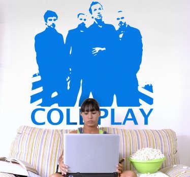 Adhesivo  con la imagen del grupo de música Coldplay, que alcanzó un gran éxito gracias a sus canciones con estilo pop-rock británico.