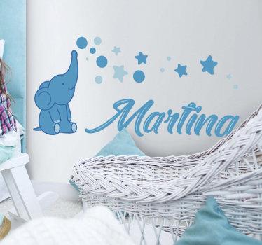 Vinilo infantil ilustrativo animal que se puede personalizar con el nombre de su hijo. Este diseño es fácil de aplicar.