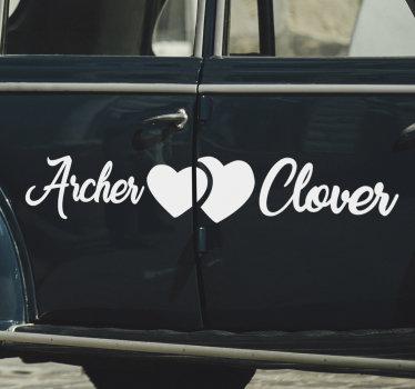 Un diseño de vinilo decorativo de coche de boda que se puede aplicar en la carrocería del automóvil para la ceremonia de boda. Diseño fácil de aplicar