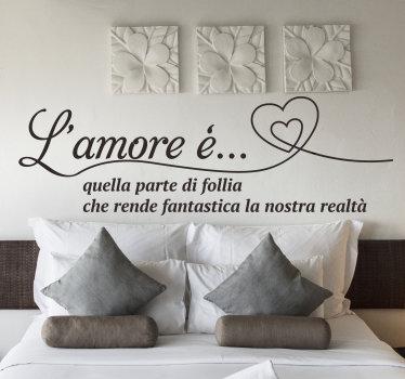 Adesivo da parete per testiera facile da applicare progettato per la camera da letto disegnato con citazione del testo sull'amore con un cuore in un modo molto bello che adorerai.